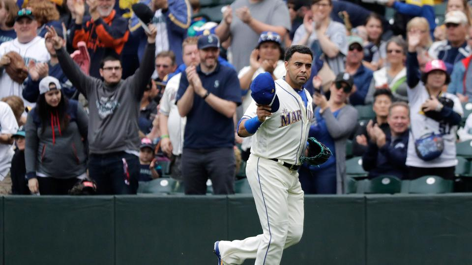 Mariners close out year with win vs. Rangers   MLB.com