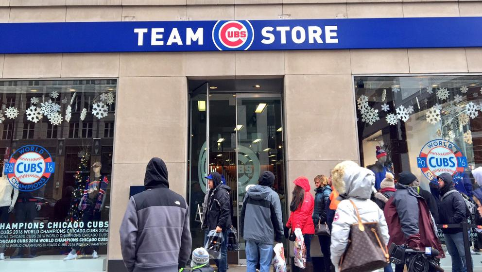 get cheap 30658 0859e Cubs Trophy Tour begins at store in Chicago | MLB.com