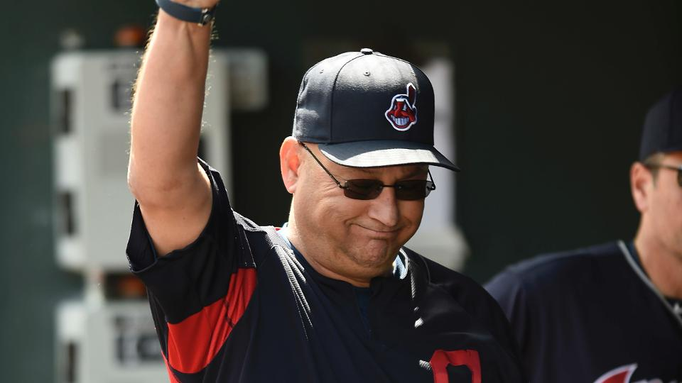 Terry Francona wins community service award