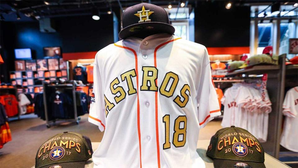 Astros to wear gold unis for first 2 home games