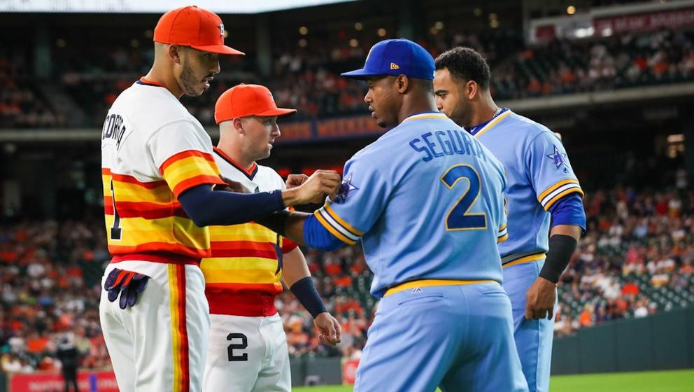 ff8898cb1c7 Astros hold Turn Back the Clock Night against Mariners