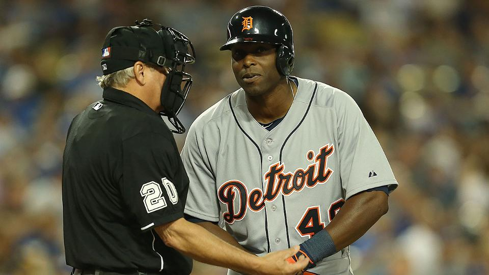 Detroit Tigers' Torii Hunter crashes into wall, day to day with knee injury | MLB.com