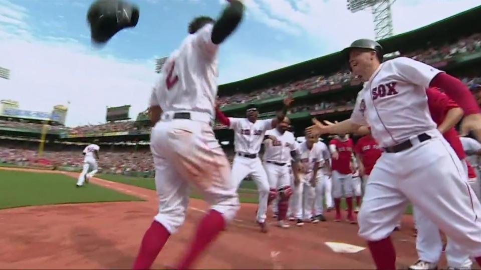 Xander Bogaerts hits game-winning grand slam