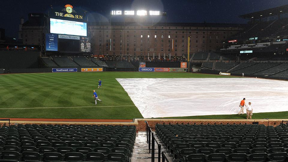 Blue Jays closer to clinch, home-field after rainout