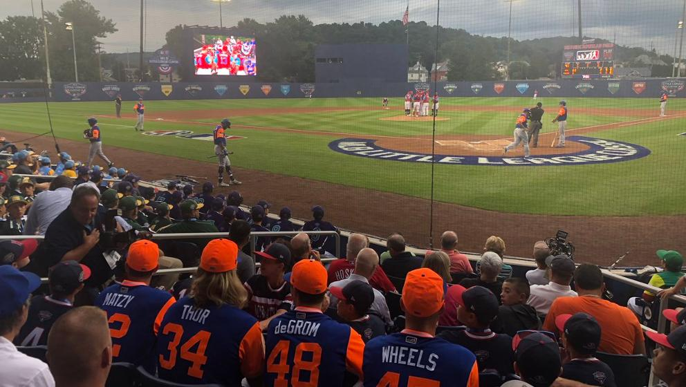 0a285bc6d Mets pitchers sit in stands at Little League Classic